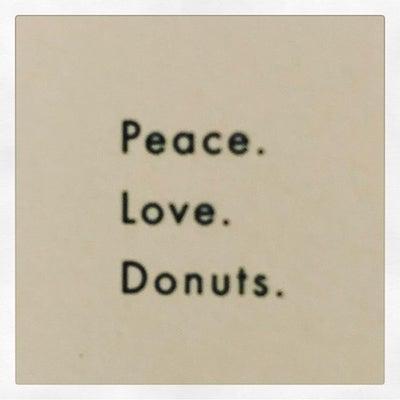 PR081 - Peace. Love. Donuts.