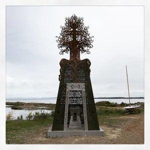 PR135 - Metal Tree